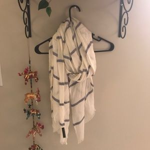 BR striped scarf